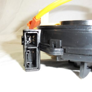 toyota-rav4-corolla-yaris-hiace-84306-52041-clockspring-side-socket