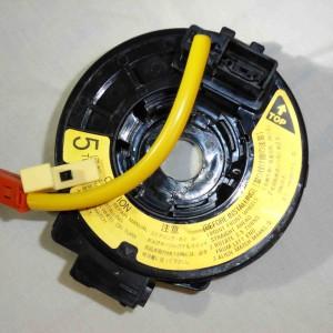 toyota-rav4-corolla-yaris-hiace-84306-52041-clockspring-top-socket