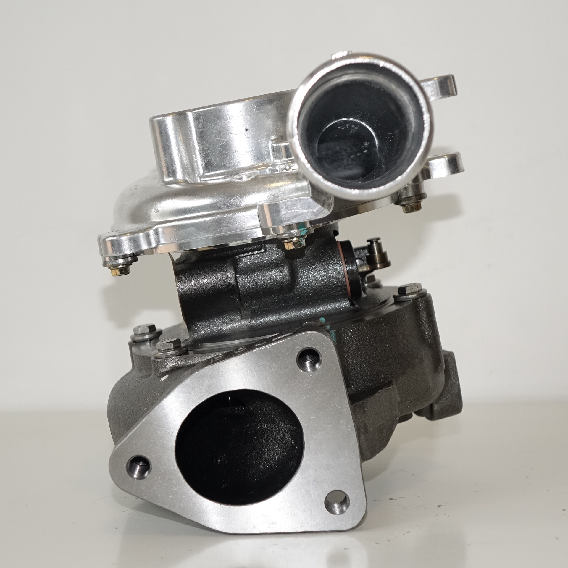Turbine Used In Turbocharger: Turbochargers Suitable For Toyota Hilux 1KD 3.0L CT16v